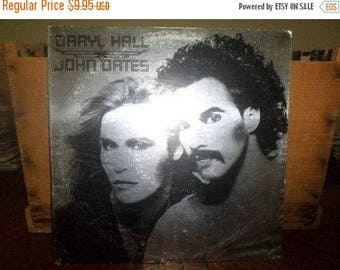 Save 30% Today 1975 Vinyl LP Record Daryl Hall & John Oates Self Titled Silver Cover Excellent Condition 4691