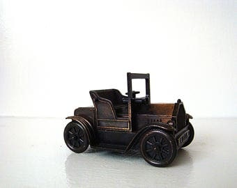 Vintage Mini Automobile Metal 1917 Ford Model Pencil Sharpener Home Decor Collectibles Die Cast Paperweight