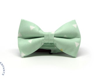 Kids pretied green bow tie, Seafom triangles bow tie, Green and white children bow tie, Boy green bow tie