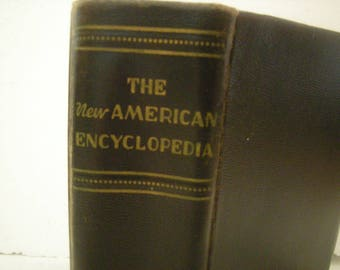 Vtge american encyclopedia-copyright 1918-revised edition 1942-20.000 subjects-Books.Inc Publishers-black cover-teachers-historians-