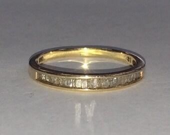 Beautiful 10K YELLOW GOLD Channel Set DIAMOND Band Ring Size 8.75!