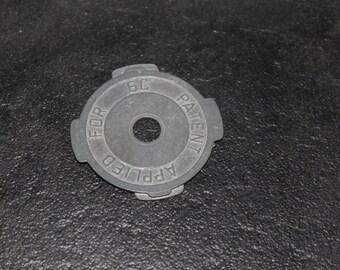 1950 vintage zink 45 holder for your vintage turntable