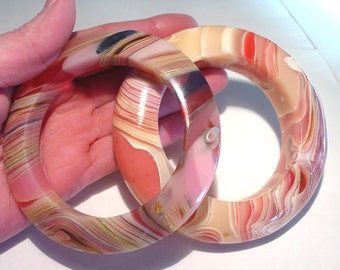 French BAKELITE Lucite Pink Agate SAUCER Haute Couture Runway Bangle Bracelets PAIR