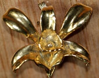 Metal flower brooch - metal flower pendant