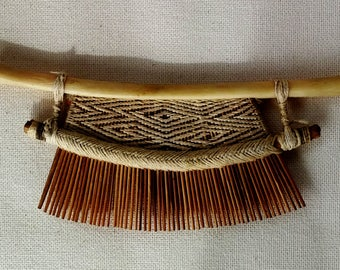 Comb (penti) wayana has a more or less rectangular shape entirely handmade