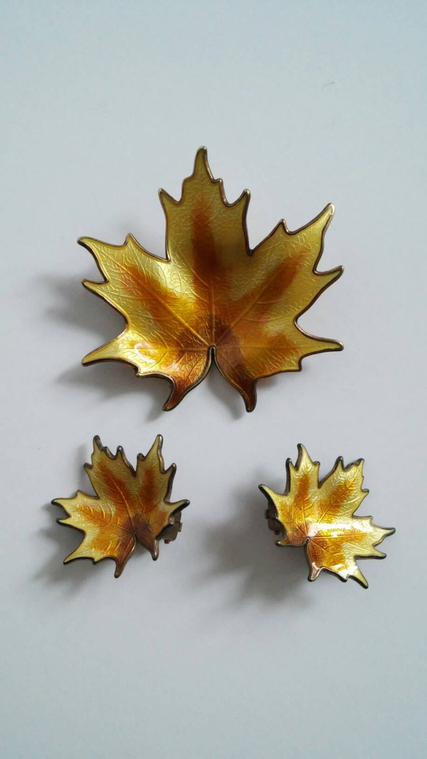 Vintage Enamel Leaf Brooch Earring Set Clip Leaf Earring
