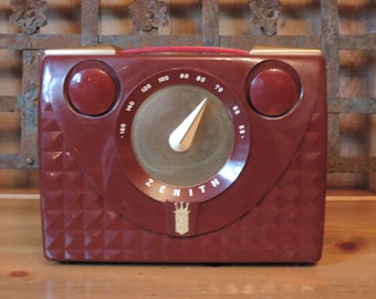 Vintage Zenith Radio Mid Century Tabletop Long Distance Radio 1952 Tube Radio Audio Electronics