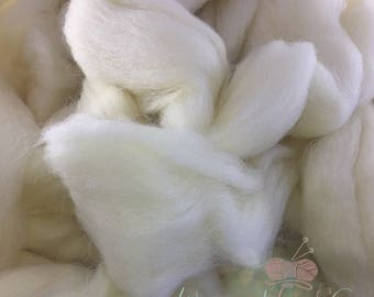 Discount BULK Price - Super Chunky Merino Wool Yarn Roving, Arm Knitting, Felting, Chunky Knit - (21 microns, 66s)