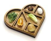 Wooden Heart Tangram Seder plate and Matzo tray, Passover gift, Pesach table, Tangram inspired Modern Judaica gift for Pessah hostess