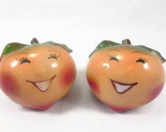 Anthropomorphic Apples Salt Pepper Shaker Set Vintage Ceramic Kitchen Collectible