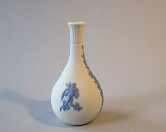 WEDGEWOOD VASE, White Wedgewood vase with blue, Jasperware vase, vintage Wedgewood vase, white bisque vase, vintage gift, vase from England