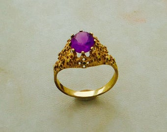 Antique Gold Ring with Amethyst from SterlinGold Treasures