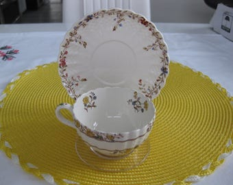 COPELAND SPODE BUTTERCUP Teacup and Saucer.  Made in England