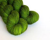 Hand dyed sock yarn, fingering weight yarn, 100% superwash Merino wool - OOAK 'Luck of the Irish' kettle dyed yarn, 4-ply Fortuna Sock yarn
