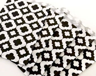 50 Black Favor Paper Bags Quatrefoil Party Bag Treat Gift Candy Bag