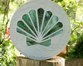 Seashell Stained Glass Stepping Stone, Scallop Design