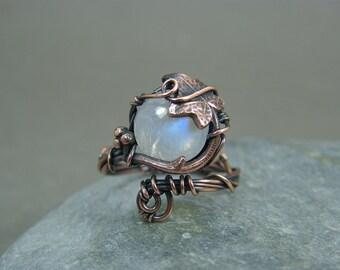 Moonstone ring ~ Adjustable moonstone ring ~ Leaf ring ~ Leaves ~ Gift for bohemian girlfriend ~ Ivy leaf ring ~ Copper adjustable ring
