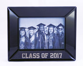 Personalized Black Graduation Frame, 5x7 Picture Frame, Class of 2017, Custom Graduation Gift, Graduation Picture Frame (CSBLKF57-GRAD)