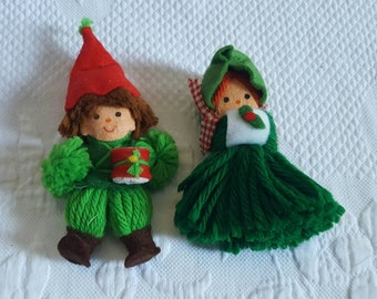 Vintage pair of yarn crafted Christmas Ornaments
