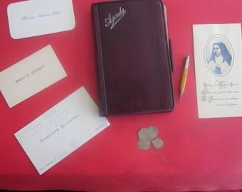 1926 Agenda Souvenir Daily: Calendar, plan, network Paris-Bloc-note, writing inside + visit cards + 4-leaf clover