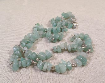 Beautiful Vintage Silver Tone Jade Chip Stone Necklace  DL# 3154