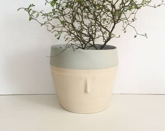 Large pot friend in sandstone - ready to ship
