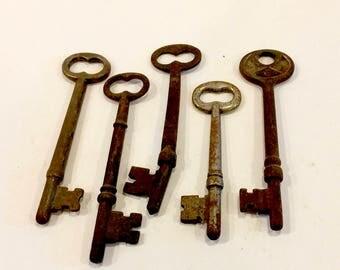 Antique Skeleton Keys Vintage Old Skeleton Keys, 5 Metal Skeleton Keys, Solid Barrel and Flat with Barrel, Rustic Keys, Circa 1900 to 1920