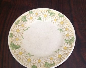 Poppy Trail by Metlox Vintage Daisy Salad Plate