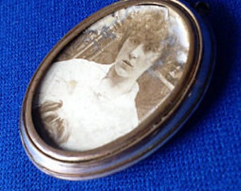 1900s Rolled Gold Locket with Photos
