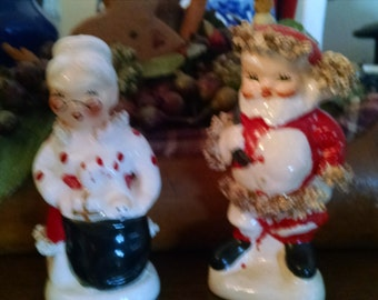 napco vintage ceramic santa and mrs claus salt and pepper shakers
