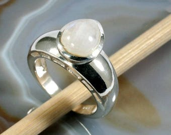 Moonstone and 925 Sterling Silver Ring  --   6279