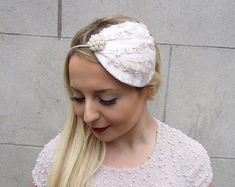 Cream Ivory Feather Velvet Fascinator Teardrop Races Vintage Hair Headband 2696