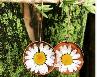 handmade copper terrarium real white daisies preserved in resin earrings , love, Mother's Day , nature, floral, summer, garden, spring, wed