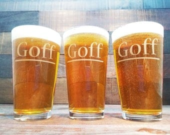 Personalized Beer Glasses - Groomsmen Gifts or Bridesmaid Gift / Custom Wedding Glasses / Wedding Party Pint Glasses / Engraved / Set of 10