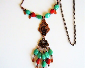 Goddess pendant ethnic doll and its thin chain copper.
