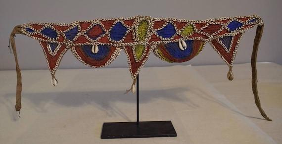 Papua New Guinea Belt Nassa Cowrie Shell  Red Blue Abelam Tribe Fiber Handmade Shell Woven Fiber Currency Shell Belt