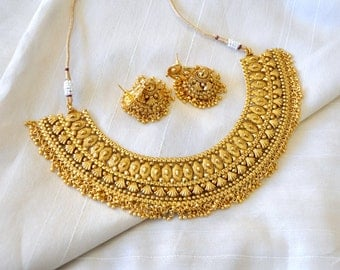 Antique gold design Indian necklace with jhumkis and tikka | Indian Jewellery | Indian Necklace | Temple Jewelry