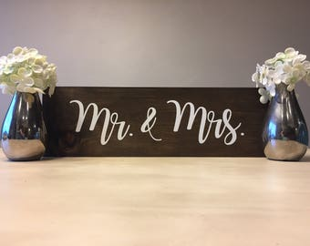 Wedding Mr and Mrs Sign, wood Mr and Mrs sign, wooden Mr and Mrs sign, rustic Mr and Mrs sign, Mr and Mrs Sign, wedding Sign,