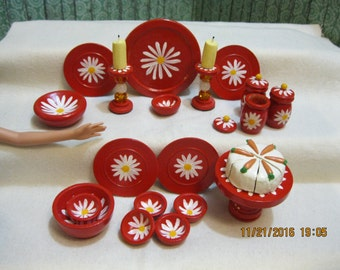 Daisy Dishes Hand-painted, OOAK Miniature Wooden Dishes for Barbie or Fashion Dolls