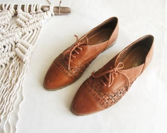 Vintage Woven Leather Oxford Shoes // Size 7.5 // women's, sneakers, lace up, brown, made in Brazil