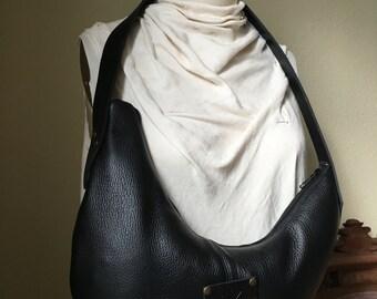 MOON Shoulder Bag  - All Leather, Zipper Closure