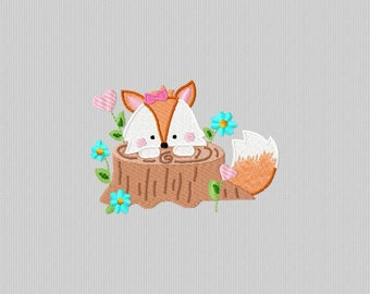 Embroidery of a Fox hidden behind a tree trunk to machine embroidery 4 x 4 format