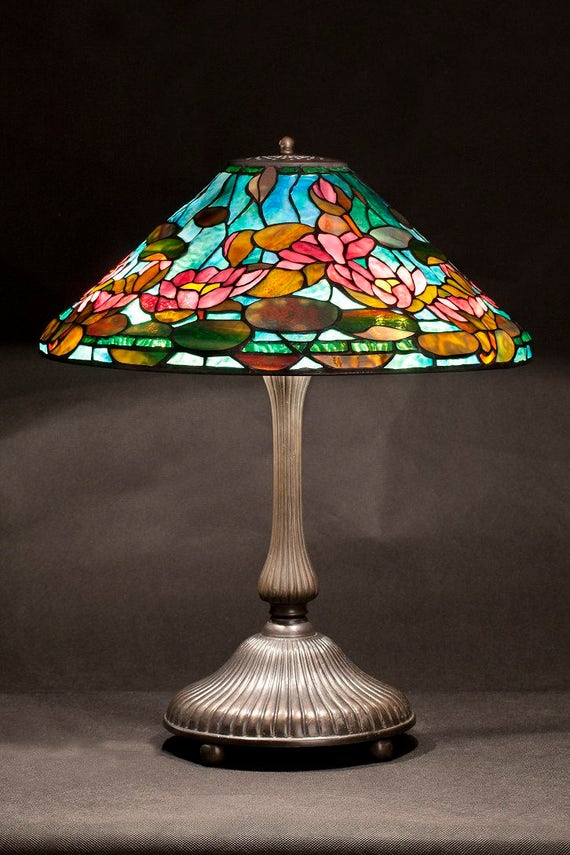 Water lily Tiffany lamp. 16 inch Tiffany lamp replica. Tiffany T1490. Tiffany Lotus lamp base.  The best Tiffany replicas