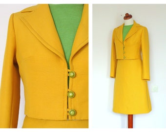 Beautiful 1960's Two Pieces Yellow Suit Skirt & Jacket Spring Suit / Mod / size S