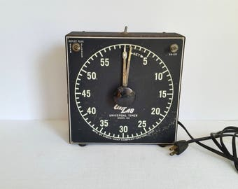 Gra-Lab Universal Timer Model 168 . Vintage Photography Developing Timer . Photo Enlarging Timer . Antique Photography Equipment