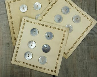 6 vintage mother of Pearl buttons 22 mm original paper
