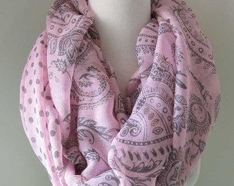 Light pink infinity scarf with paisley patterns - Long and light weight for spring, summer and fall