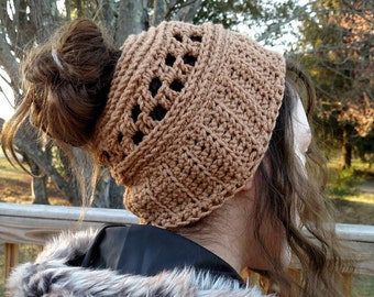 Women's Messy Bun Hat, Ponytail Hat, Ski Hat, Winter Hat, Crochet Hat, Winter Accessories