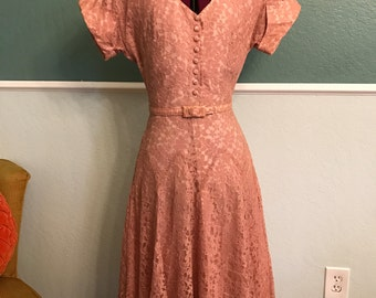 Late 1940s 1950s Light Mauve Lace Dress XS-S
