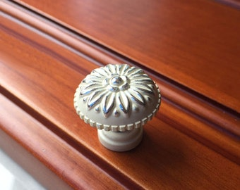 shabby white silver dresser knobs pulls handles drawer pull handles kitchen cabinet knobs handle pull